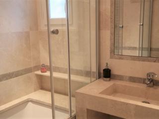 Salle de bain en Marbre beige BB