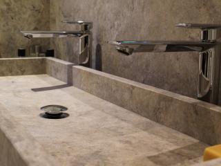Vasque sur-mesure Travertin silver
